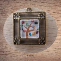 Maolia - Collier cabochon bronze carré modèle N° 3