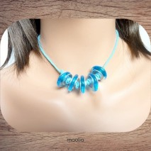 Collier grosses perles bleues