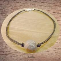 Maolia - Collier perle de bois cordon noir