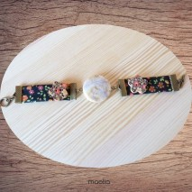 Maolia - Bracelet tissu noir fleuri et pierre naturelle
