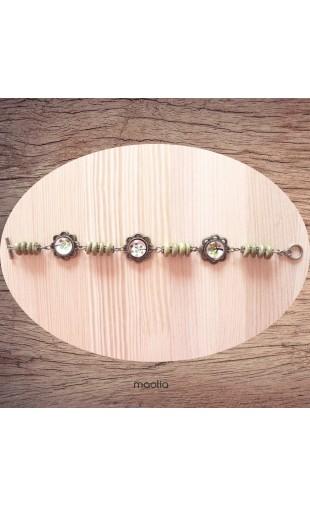Bracelet cabochon fleurs vert bois