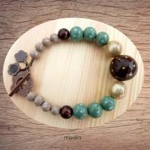 Bracelet perles de bois vertes et brunes