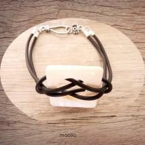 Maolia - Bracelet nacre carrée caoutchouc noir
