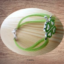 Bracelet trèfle émaillé et suédine couleur