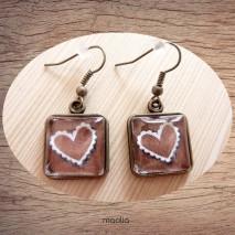 Boucles d'oreilles cabochon carrée coeur marron