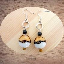 Maolia - Boucles d'oreilles beiges, noires et blanches