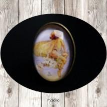 Bague cabochon ovale bronze fillette papillon jaune