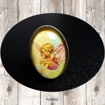 Bague cabochon ovale bronze fillette papillon assise