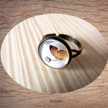 Bague cabochon papillon orange