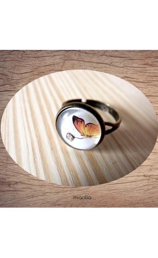 Bague cabochon papillon orange
