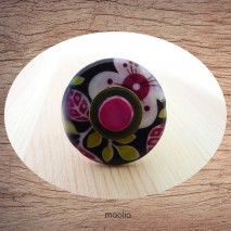 Bague bouton nacre fleurie fuchsia