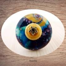 Bague bouton nacre bleue et turquoise jaune