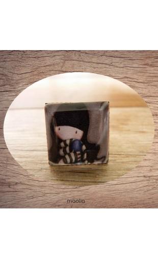 Bague cabochon carrée petite fille modèle 1