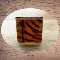 Bague cabochon carrée peau de tigre 2