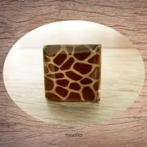 Bague cabochon carrée peau de girafe