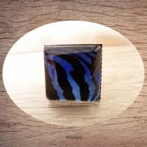 Bague cabochon carrée peau de tigre bleue