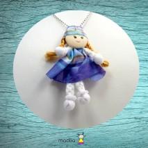 Poupée robe bleue à rayures