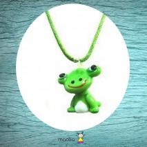 Collier grenouille cordon vert