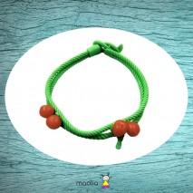Bracelet tressé vert aux cerises