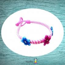 Bracelet tressé rose et fleurs bleues et fuchsia