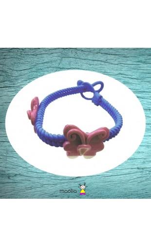 Bracelet tressé bleu et papillons roses