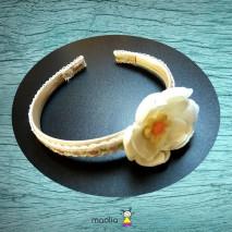 Serre-tête dentelle fleur blanche coeur rose