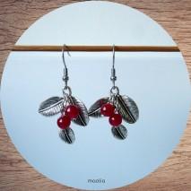 Boucles d'oreilles cerises rouges et feuilles argent