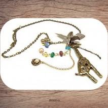 Girafe ton bronze et perles de Swarovski en cascade
