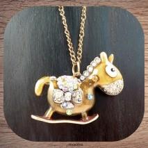 Maolia - collier cheval bronze et cristal couleurs