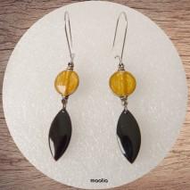 Maolia - Boucles d'oreilles pendantes ocre et noir